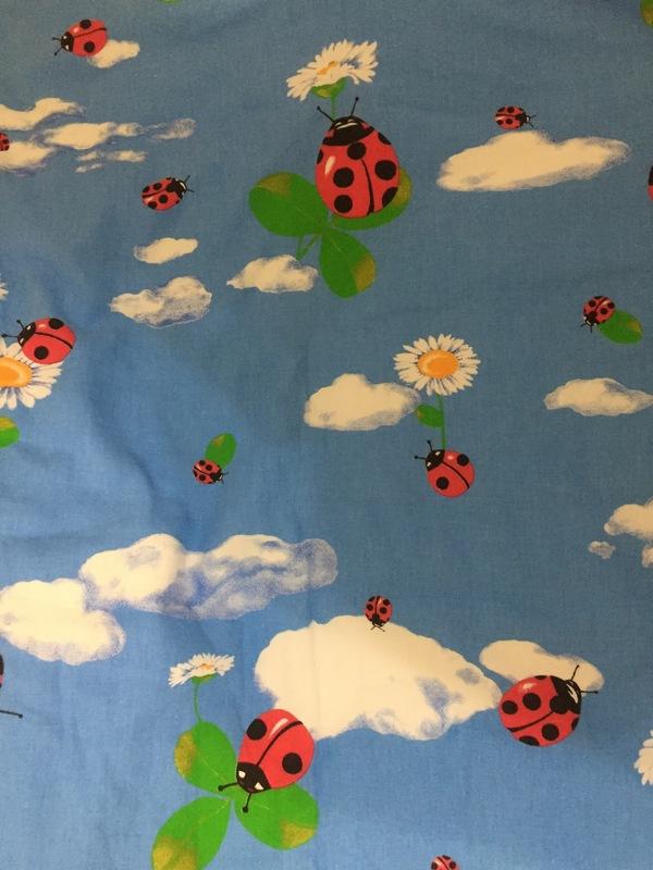 В гости приехал племянник и почему то не захотел спать под этим одеялом ! Сказал боюсь букашек :( Насекомые, Племянники, Одеяло, Россия, Божья коровка, Длиннопост