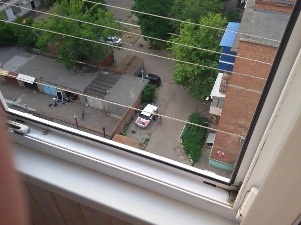 Вид из окна Путин, Капот