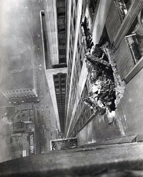 Алюминий против бетона, 1945 год, США Бомбардировщик В-25, Авария, Небоскреб, Манхэттен