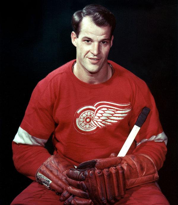 Умер великий хоккеист! Горди Хоу, Хоккей