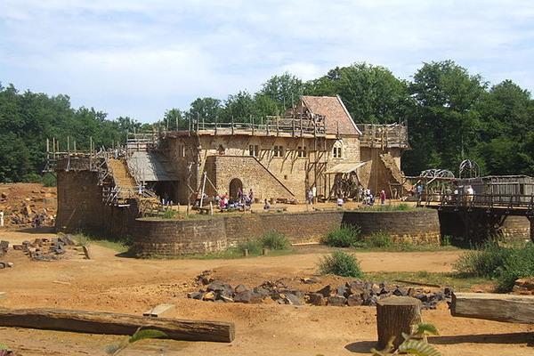 Как построить средневековый замок «с нуля»? Копипаста, Nplus1, Не мое, История, Замки, Строительство, Интересное, Видео, Длиннопост