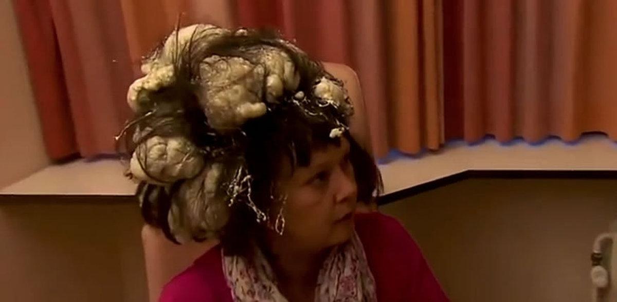 фото пена монтажная на голове