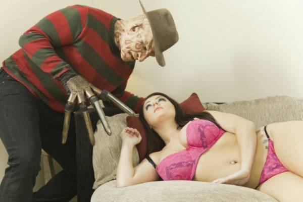 Порно на породии с ужасами