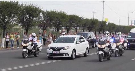 Папа Римский в Ереване Папа Римский, Renault Logan