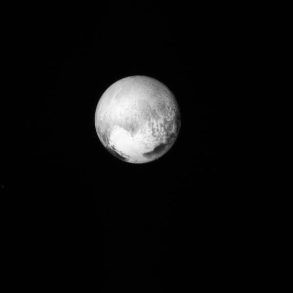Небольшая подборка необработанных фото Плутона Космос, Плутон, New Horizons, Планета, Фото, Длиннопост