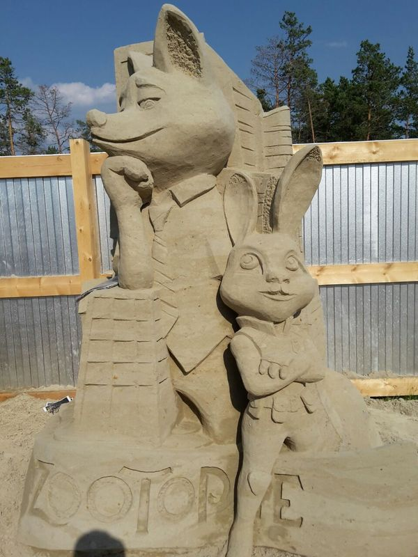 В городском парке Якутска появились сделанные из песка скульптуры киногероев Якутск, Якутия, Скульптура, Киногерои, Искусство, Талант, Песчаная скульптура, Длиннопост
