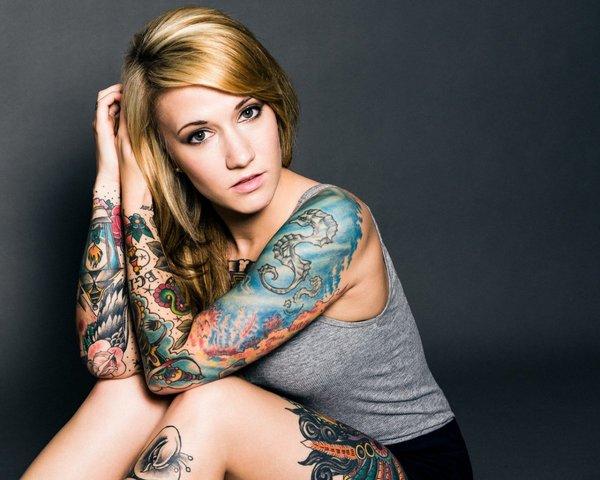 Девушки в татуировках 26 фото
