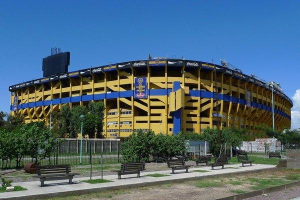Стадион на 57 000 мест среди города, расстояние до домов менее 9 метров Бока Хуниорс, Стадион, Футбол, Видео, Длиннопост