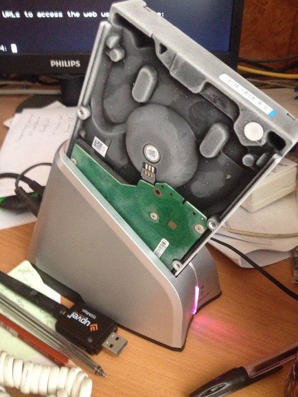 Когда бэкап надо сделать любой ценой HelpDesk, Жесткий диск, Резервное копирование, Данные, Холодильник, Длиннопост
