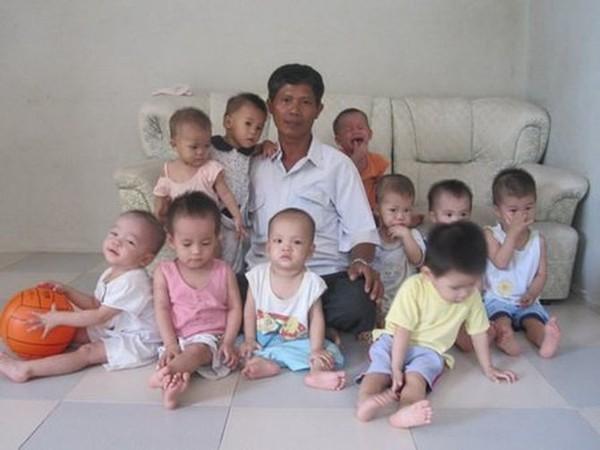 Картинки по запросу «Отец Вьетнама»: как обычный строитель спас сотни детей и похоронил тысячи