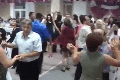 Очень зажигательный румынский танец