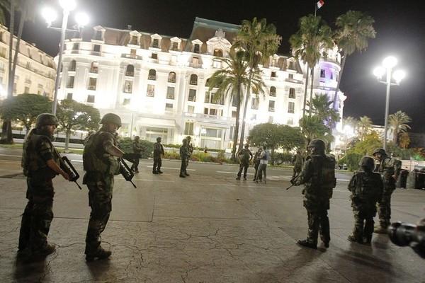 Эксукрсия по ночной Ницце после теракта Ницца, Теракт, Терроризм, Франция, Длиннопост