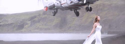 Всегда найдется вертолет, который испортит кадр Фото, Фотография, Вертолет, Невеста, Фотосессия, Исландия, Гифка, Видео