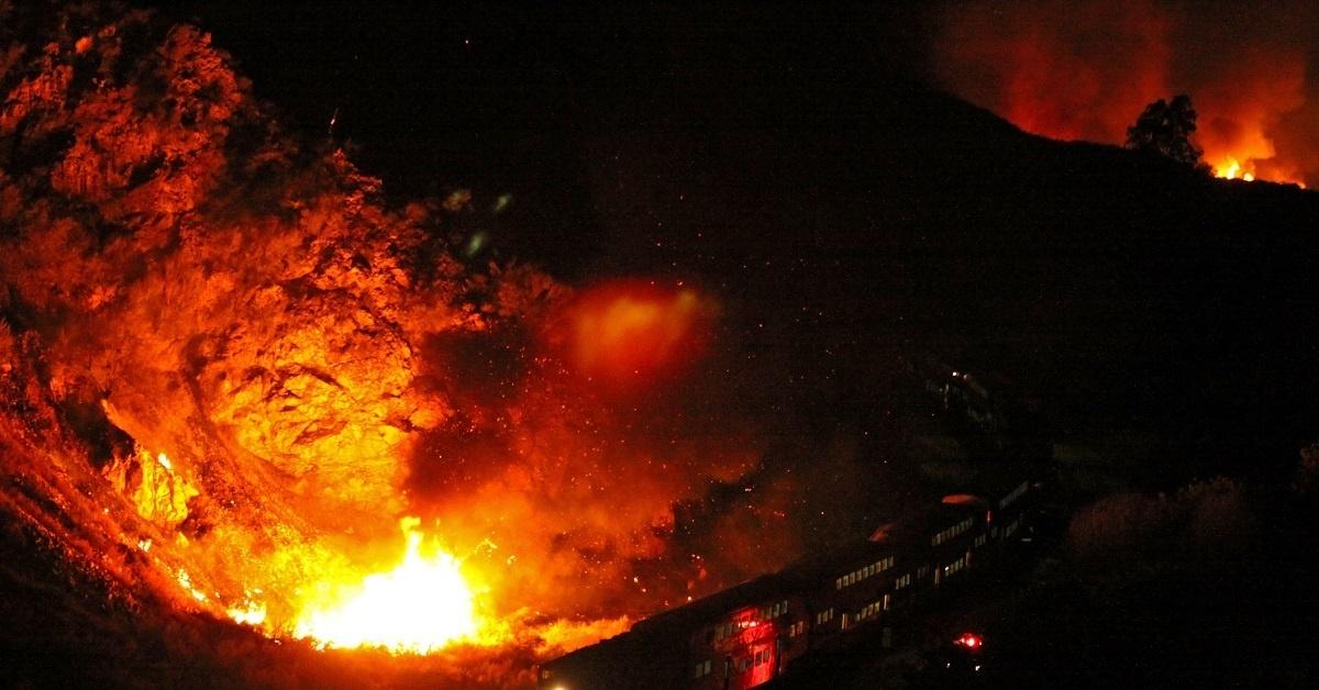 поезд в огне в картинках всего