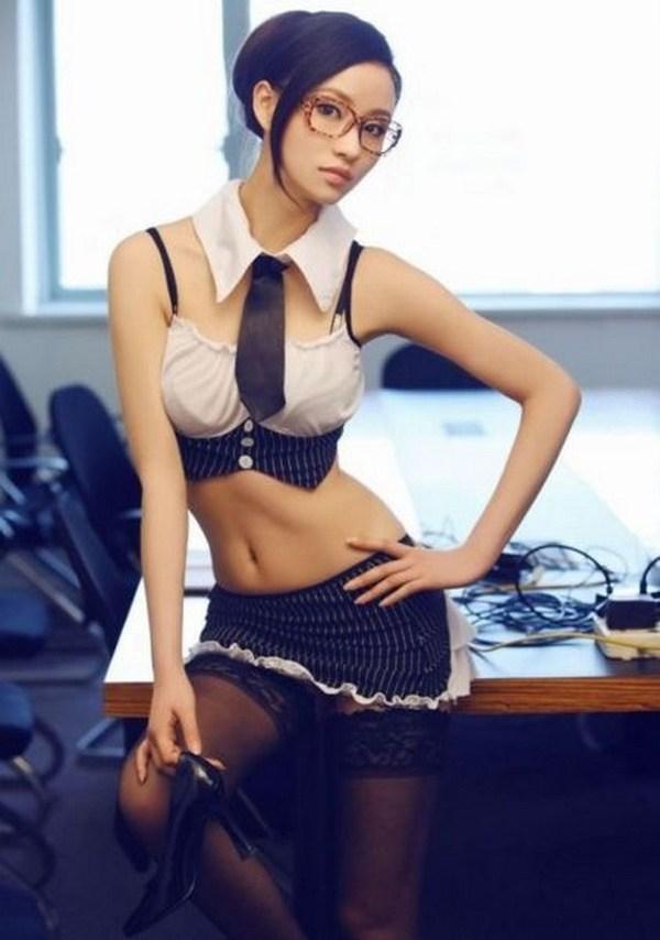 Секс японка в офисе