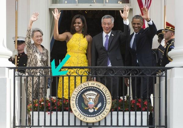 Жена сингапурского премьера ходит с  сумочкой за 11$. Сингапур, Премьер-Министр, Жена, Сумка, Динозавры, Дети, Акция, Политика, Длиннопост