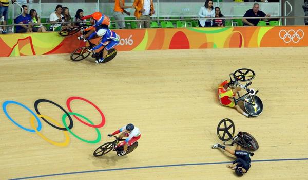 Обогнала по обочине) Олимпиада, Олимпийские игры, Рио-2016, Велосипед, Велотрек, Обочина, Лаурин ван Риссен