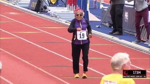 Установила новый мировой рекорд на 100 метров Гифка, Бег, Рекорд, 100