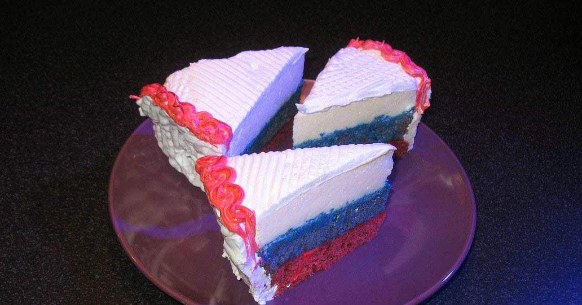 Поздравление, день россии картинка с тортом