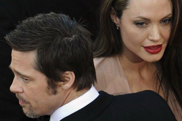 """СМИ раскрыли секрет """"вечной молодости"""" Брэда Питта и Анджелины Джоли События, Шоу-Бизнес, Голливуд, СМИ, Брэд Питт, Анджелина Джоли, Ботокс, RGRU, Длиннопост"""