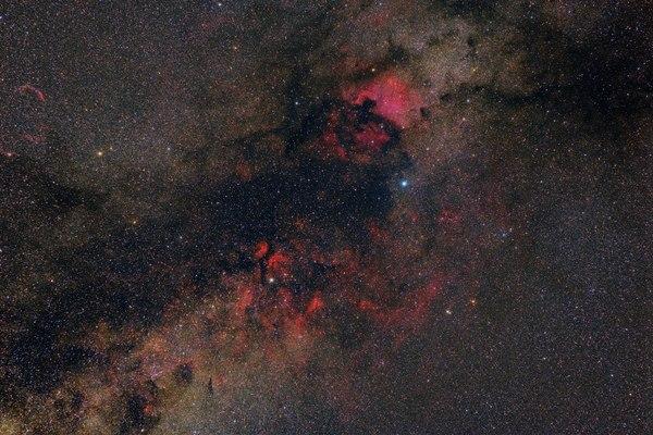 Комплекс туманностей созвездия «Лебедь».
