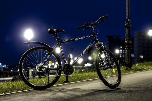 Вечерняя прогулка фото, ночь, огни, велосипед