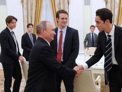Кремль попросил удалить из интернета фото со встречи Путина с британскими студентами Путин, кремль, удалить из интернета, Beyonce, длиннопост