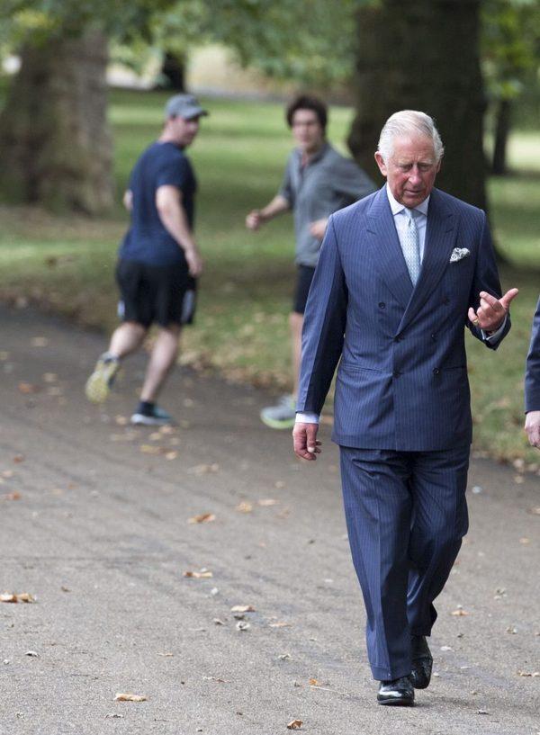 -Эй, это случайно не наследник престола? -Твою ж мать! Принц Чарльз, Наследники, Это ты?, Точно ты?, Ничоси