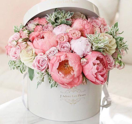 Фото в коробочке цветы