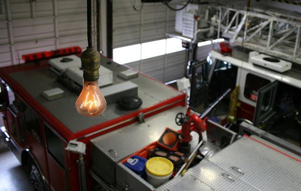 Производители лампочек LED решают проблему слишком долгого срока службы лампочки, экономика, Запланированное устаревание, потребительство, длиннопост