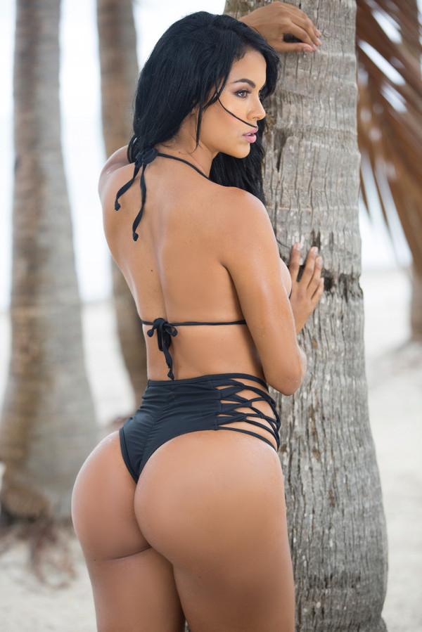 Сексуальные и красивые бразильские девушки