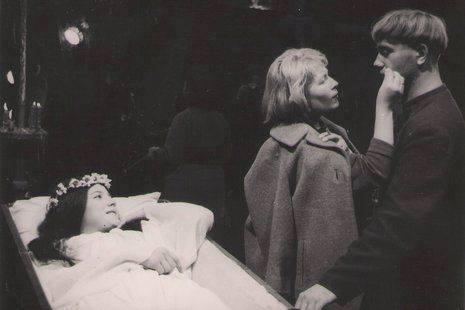 Наталья Варлей и Леонид Куравлёв на съёмках Вия. СССР. 1967 г.