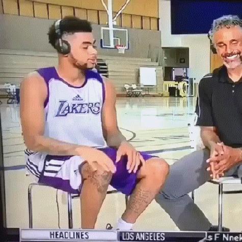 "Классический ""неловкий момент"" в прямом эфире Баскетбол, NBA, Los Angeles Lakers, Данджело Рассел, Неловкий момент, Привет, Гифка"
