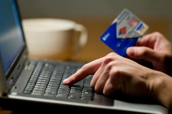 Интернет-мошенники выманили у курянки почти 10 тысяч рублей