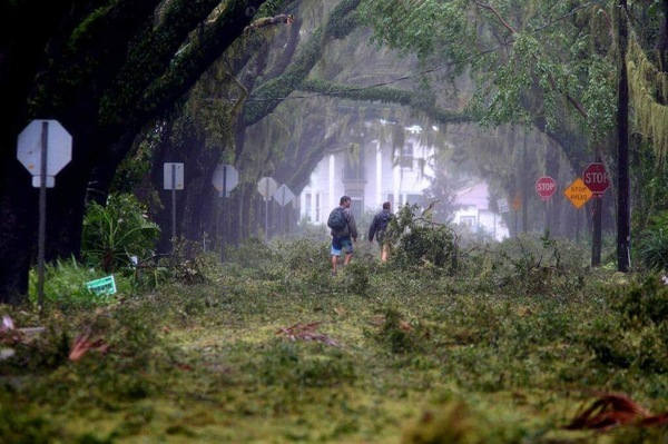 Улица Санкт-Августин во Флориде после урагана Мэтью.