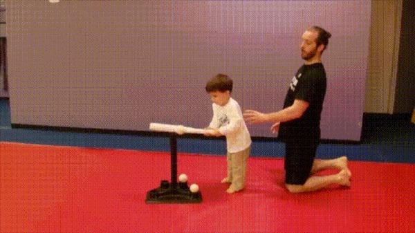 Сын, смотри прямо на мяч! Дети, Бейсбол, Отец, Сын, Семья, Причуды, Развивающийся разум, Гифка