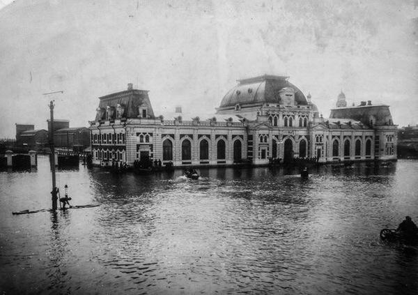 1908 год, Павелецкий вокзал во время наводнения.
