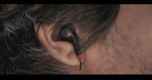 Беспроводная гарнитура. Технологии будущего. Сербский фильм, Гарнитура, Невероятные технологии, Прикол, Беспроводные технологии