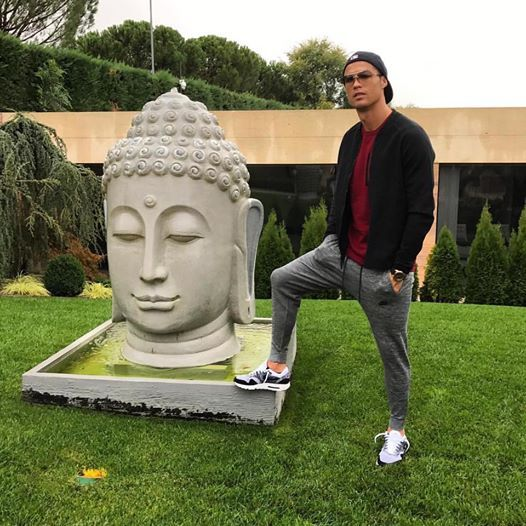Криштиану Роналду разозлил буддистов. Буддистов, Карл!!! Роналду, Криштиану роналду, Буддисты, Тупость, Длиннопост