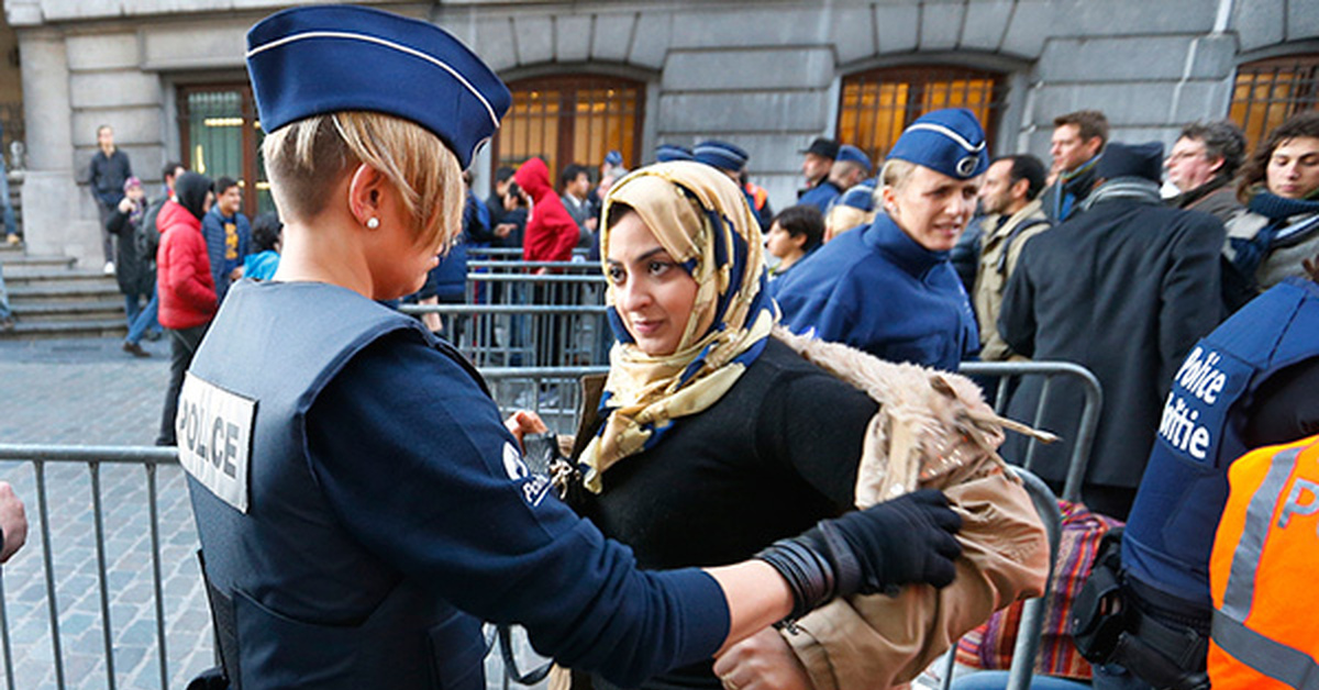 relationship between police and muslim individuals Knowing that muslim radicals do mix within the larger more peaceful muslim worship community, how do you propose the police, fbi, homeland security, nsa, and other protection groups should interact with mosques and temples.