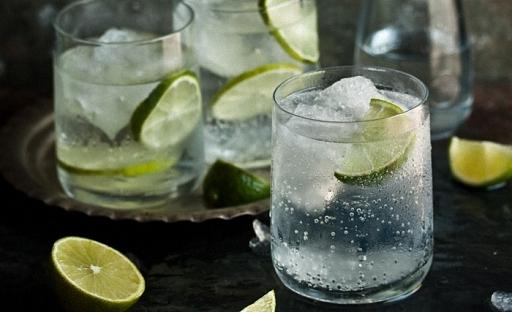Джин своими руками. Пошаговый рецепт классического Джина London dry в домашних условиях. Дистилляция, Джин, напитки алкогольные, самогонный аппарат, самогоноварение, алкогольный коктейль, длиннопост