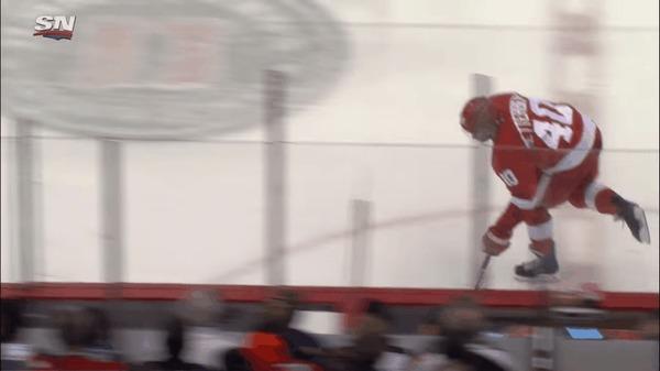 Невероятное спасение пустых ворот в исполнении Райана Миллера. Хоккей, Сэйв, Спасение, НХЛ, Гифка