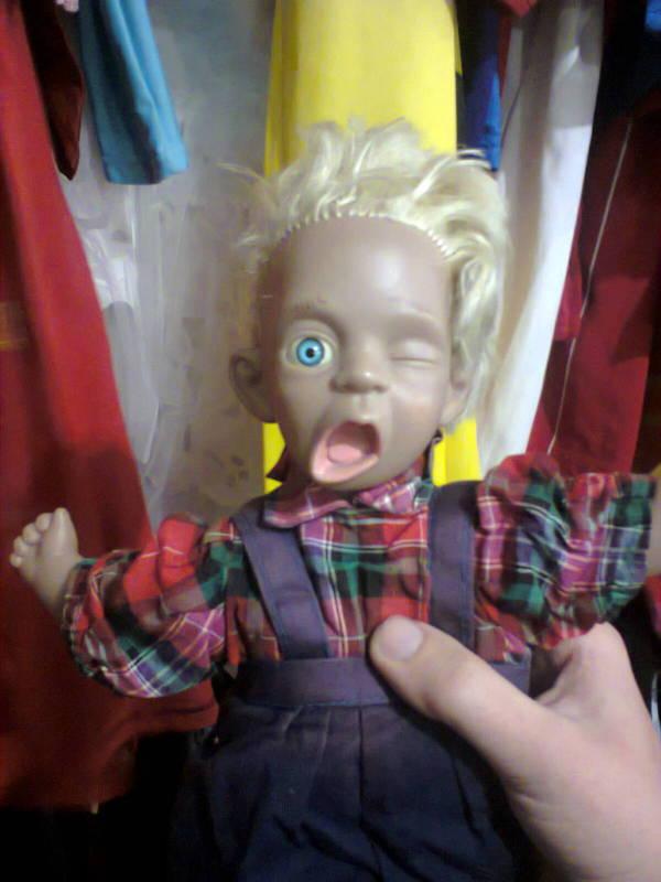 Такую вот симпотную куколку нашёл на секонде