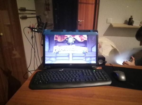 Чудесное превращение ноутбука в моноблок Компьютеры и ноутбуки, Моноблок, Я у мамы инженер