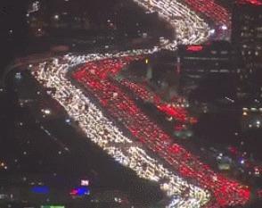 Вечернее движение по дорогам Лос-Анджелеса