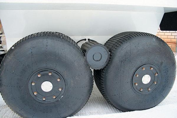Роликовый привод на вездеходах atv, пневмоход, шины низкого давления, роликовый привод, видео