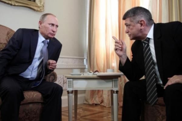 Киселев отчитал Сокурова за призыв к Путину освободить украинского террориста Политика, Россия, Украина, Криминал, Путин, Киселев, Сенцов, Сокуров, Видео