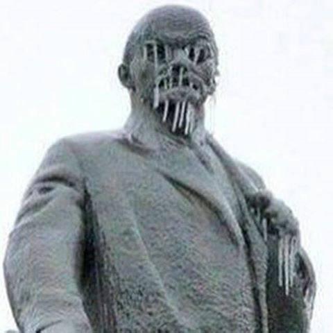 Ленин не в шалаше.