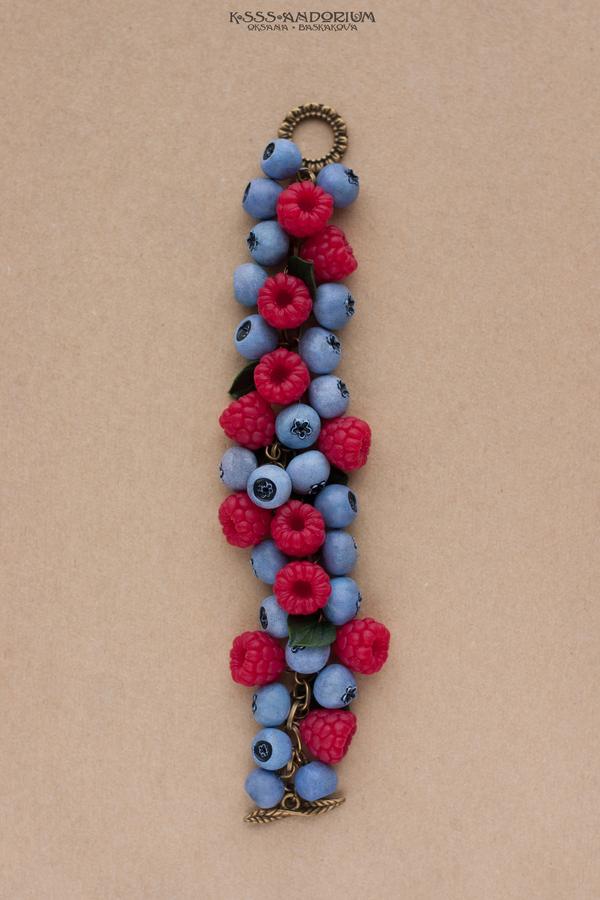 О ягодах и разнообразии браслетов с ними; ksssandorium, малина, черника, Снежноягодник, ручная работа, полимерная глина, украшения, браслеты, длиннопост