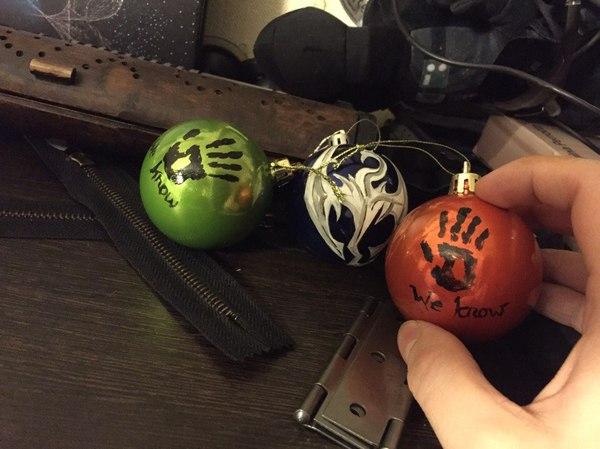 Покрашенные и немного странные новогодние шарики Новый Год, подарки на Новый Год, елочные игрушки, skyrim, своими руками, длиннопост